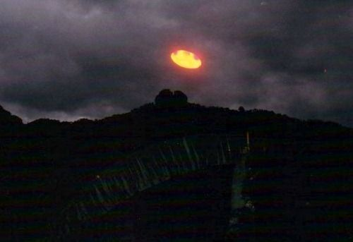 Latest UFO Sightings Orange UFO Captured By Carlos Diaz